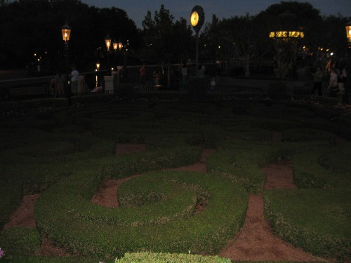 This is a hedge maze. Chris knows I have this on my Life List and kept urging me to jump over the fence and make my way through the maze (he can be a bad influence at times). As I considered his suggestion, since the hedge was only about a foot high, to make it challenging, I would have to navigate the maze while crawling around on my stomach. Not very discreet. I chose not to give in.