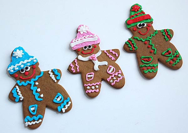 8 gingerbread men decorating ideas for Gingerbread decorations