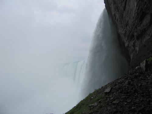 Close o the falls!